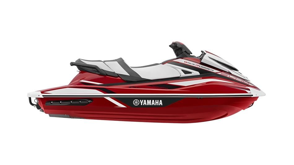 1.2018 Yamaha GP1800 EU Torch Red Metallic Studio 002